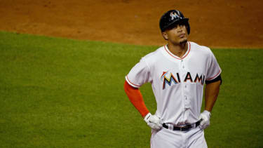 Giancarlo Stanton signs record-breaking $325 million contract with Miami Marlins