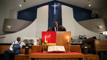 Ben Carson speaks at Sunday church in Iowa.
