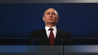 Vladimir Putin calls Obama for July 4th, asks him to 'cooperate'