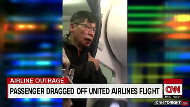 Chicago aviation cop put on leave following United incident