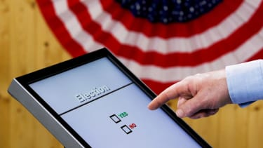 This is what it looks like when a voting machine changes your vote