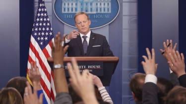 Sean Spicer praises Trump