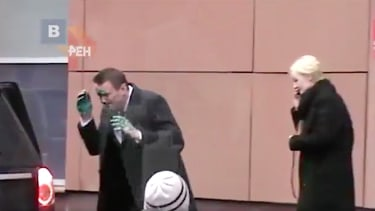 Alexei Navalny was doused with a green chemical