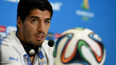 Luis Suarez's 'apology' for the biting incident is actually a hilarious denial