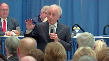Bob Corker speaks to the Rotary Club