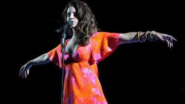 Kurt Cobain's daughter slams Lana Del Rey: 'Death isn't something to romanticize'