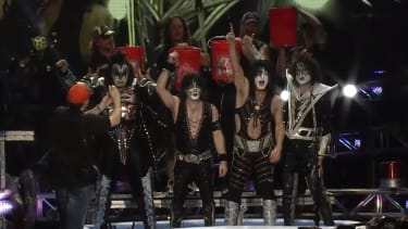 Glam rockers Kiss and Def Leppard take Ice Bucket Challenge