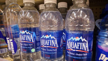 Americans are drinking more water than soda.
