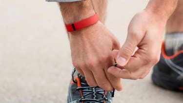 Fitbit recalls 1 million wristbands due to burns and rashes