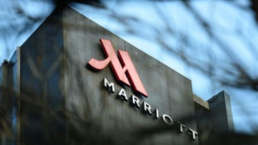 The outside of a Marriott hotel.