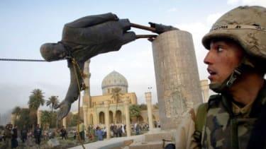 Iraq statue