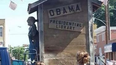 Anti-Obama July 4 parade float accused of being racist