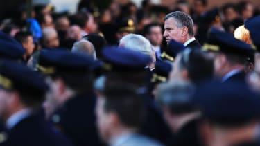 New York Mayor de Blasio booed at NYPD graduation