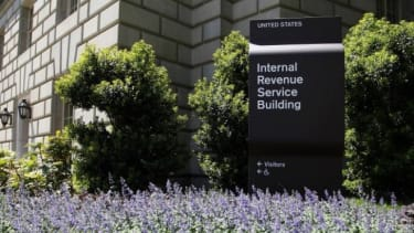 An internal report says the White House had no hand in the IRS-Tea Party scandal.