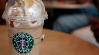 Over the span of 11 hours, almost 400 Starbucks customers 'paid it forward'