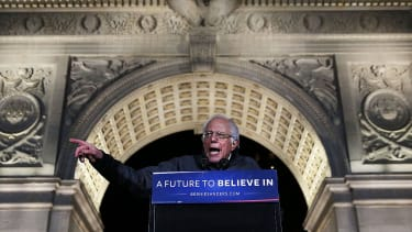 Bernie Sanders addresses 27,000 in New York's Washington Square Park