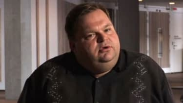 Monologuist Mike Daisey is moving forward as planned with the opening Tuesday of his one-man show about Steve Jobs and the reality of iPhone production in China.