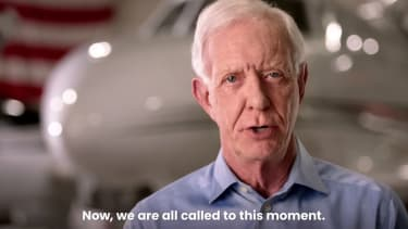 """Sully"" Sullenberger endorses Biden"