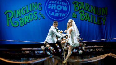 High wire performers get married at Ringling Bros. Circus
