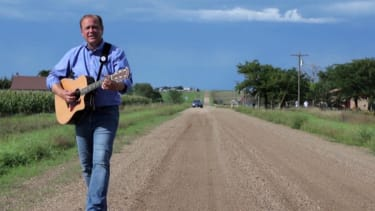 Watch Democratic Senate candidate Rick Weiland's new country music video for his campaign. (Really!)