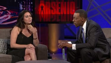Relive the '90s with a new Arsenio Hall-Shannen Doherty interview about 90210