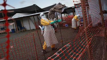 Liberian nurses threaten to strike over low Ebola hazard pay