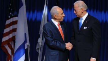 Vice President Joe Biden (right) meets with Israeli President Shimon Peres.