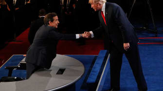 Trump shakes hands with Fox News' Chris Wallace