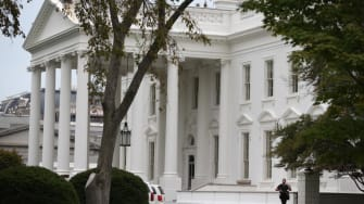 Two tourists allegedly avoided the Secret Service, snuck onto White House grounds in 2008