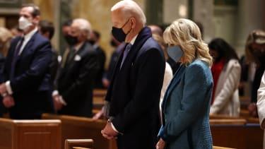 Bidens at mass