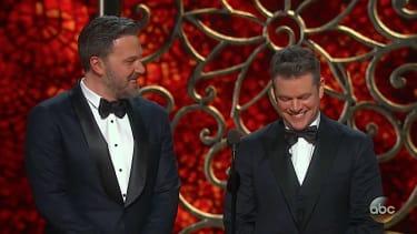Ben Affleck ribs Matt Damon at 2017 Oscars