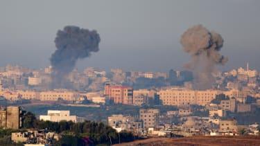 Israeli tank shells kill 15 at U.N. school