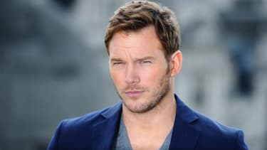 Chris Pratt loves firearms and shooting coyotes