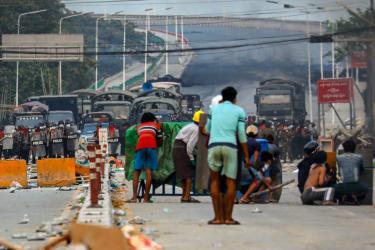 Junta cracks down on Myanmar protesters
