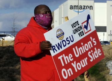 A union supporter at the Amazon warehouse in Bessemer, Alabama.