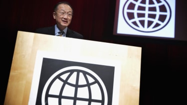 World Bank chief asks for 5,000 medical workers to travel to Africa to fight Ebola