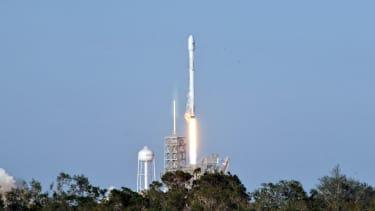 SpacX Falcon9 rocket.