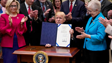 Trump signs executive orders nullifying Obama climate rules