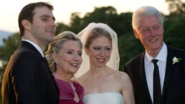 Bill Clinton dropped some serious poundage before his daughters wedding.