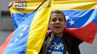 Anti-Maduro protester in Colombia
