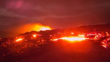 This volcano time-lapse is truly stunning