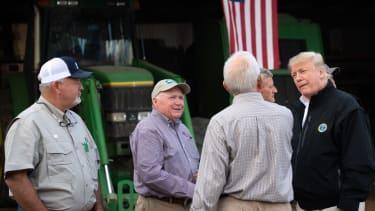 Trump talks to farmers