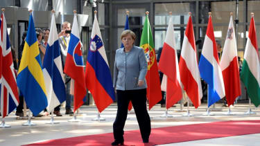 Angela Merkel arrives at Brexit negotiations