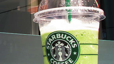 Starbucks's new tip option on its app makes it harder for you to be stingy