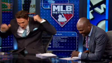 MLB analyst predicts Buster Posey home run, freaks out when it happens seconds later