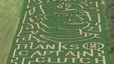 Farm turns corn maze into a tribute to Derek Jeter