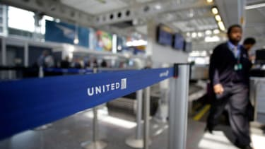 The United Airlines passenger suffered many injuries.
