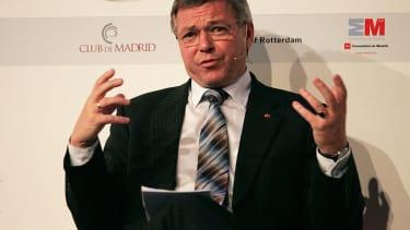 Former Norwegian Prime Minister Kjell Magne Bondevik was detained at Dulles