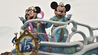 Disney's Micky and Minnie Mouse.