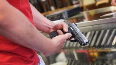 Federal judge strikes down D.C. handgun ban